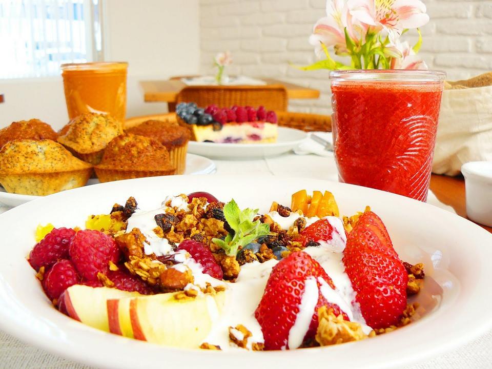 Dlaczego należy jeść 5 porcji warzyw lub owoców dziennie?